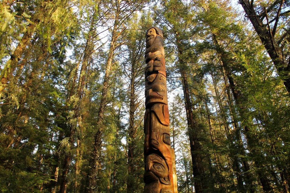 The Trader Legend Totem Pole